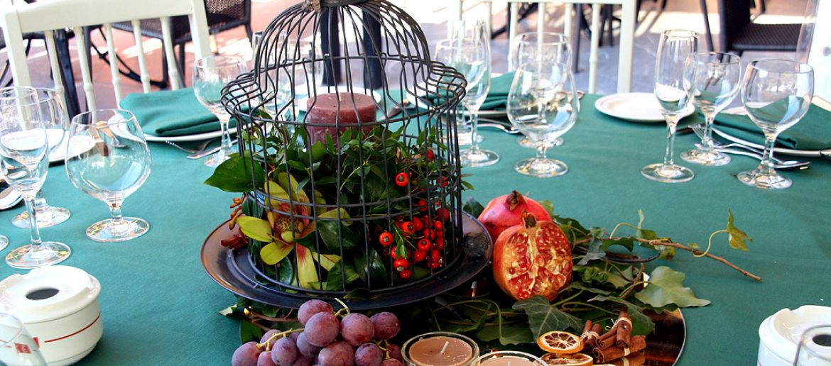 Fruits and flowers for weddings centerpieces