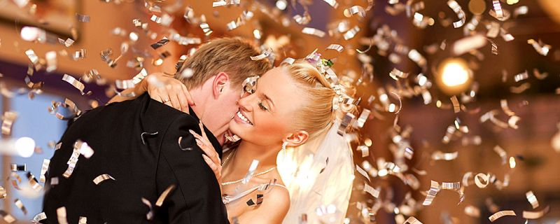 How to Choose Confetti to Match Your Wedding